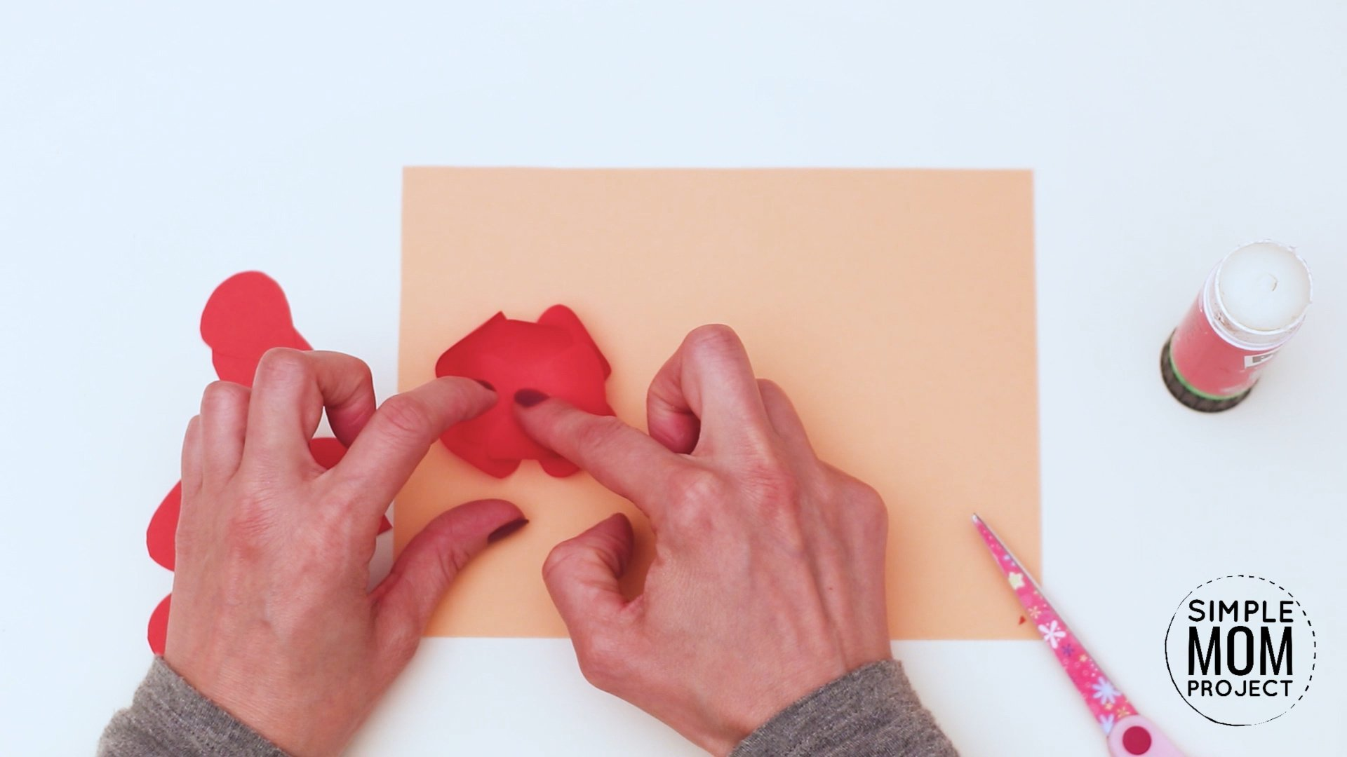 Easy DiY Remembrane Poppy craft for kids, preschoolers and toddlers