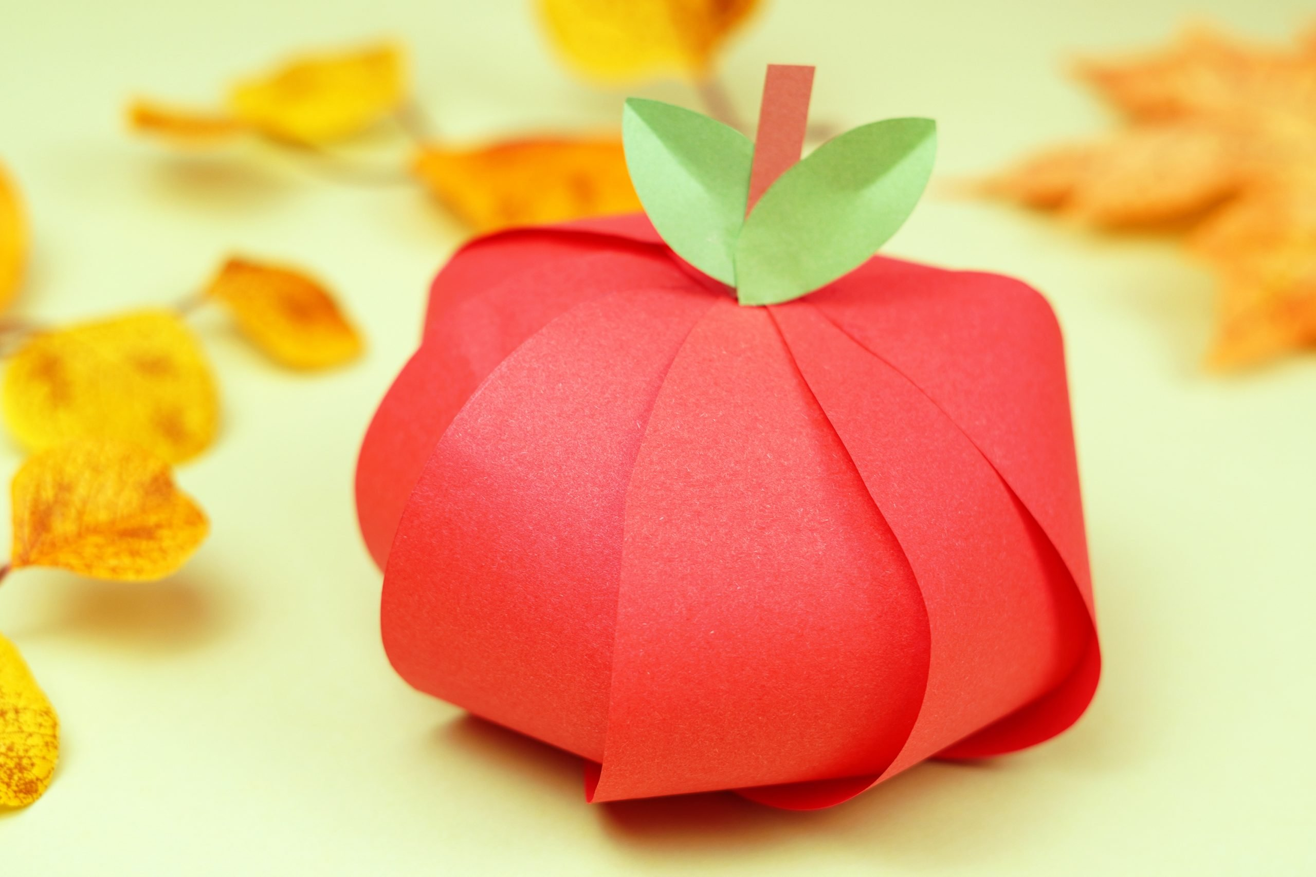 Free Printable Apple Craft for Fall and back to school crafts for preschoolers kids and toddlers