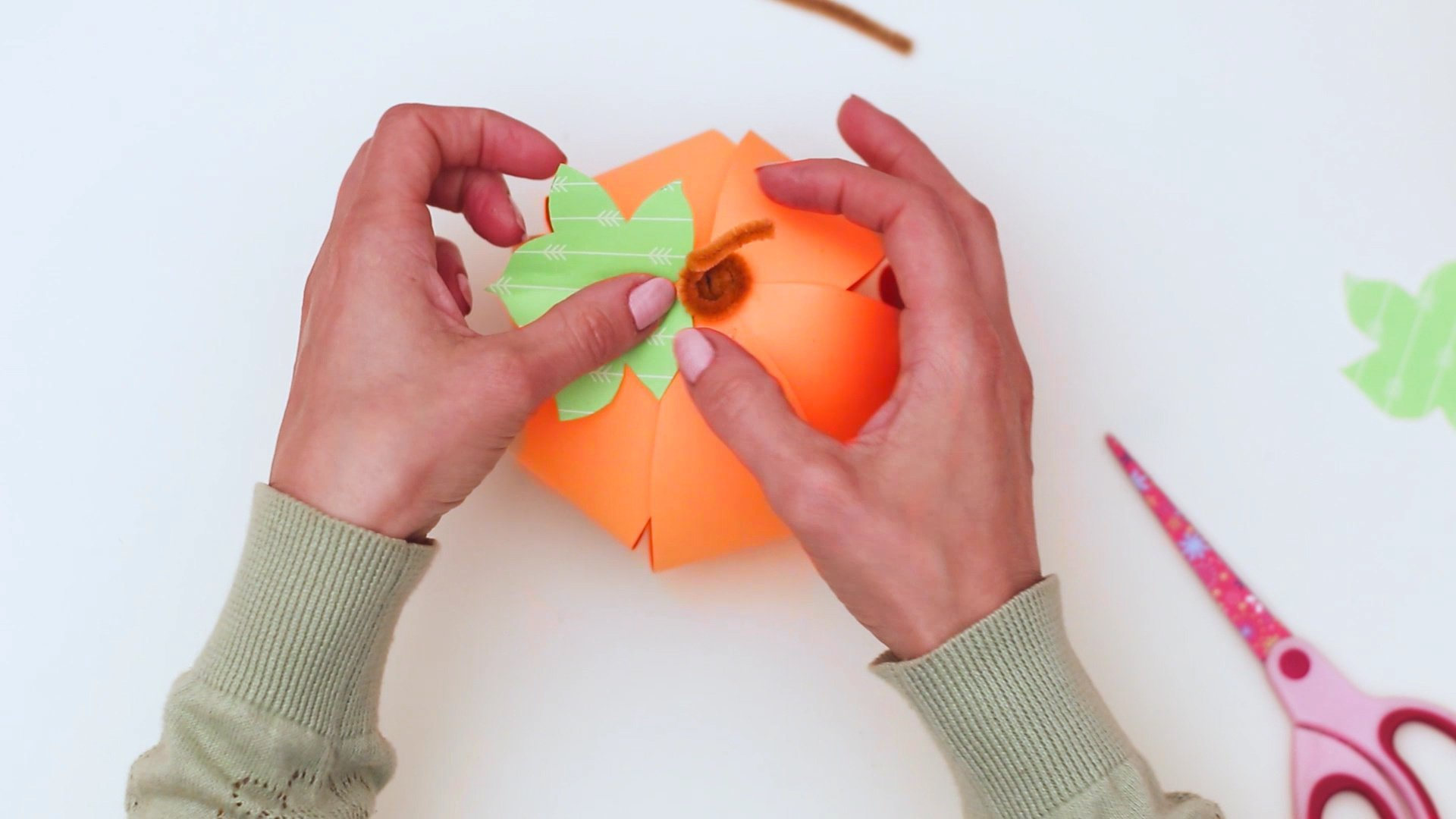 Free Printable Pumpkin Craft Template for fall for preschoolers kids and toddlers