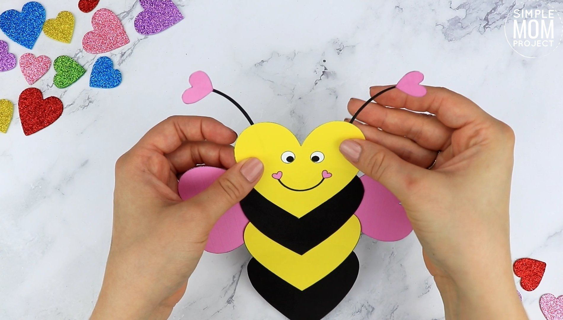 Free printable heart bee craft template for kids preschoolers toddlers