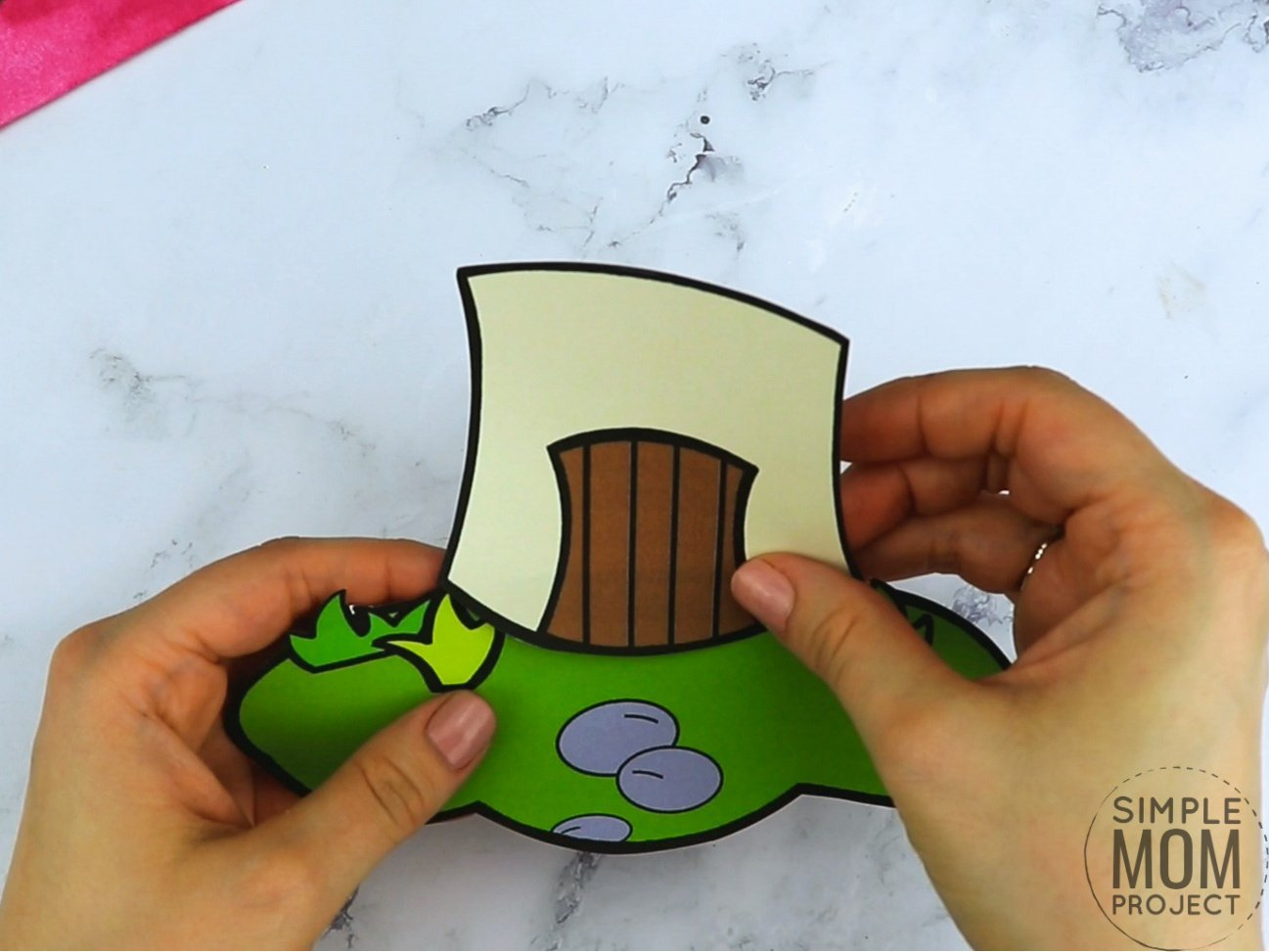 Free printable mushroom coloring page template for kids, preschoolers and kindergartners
