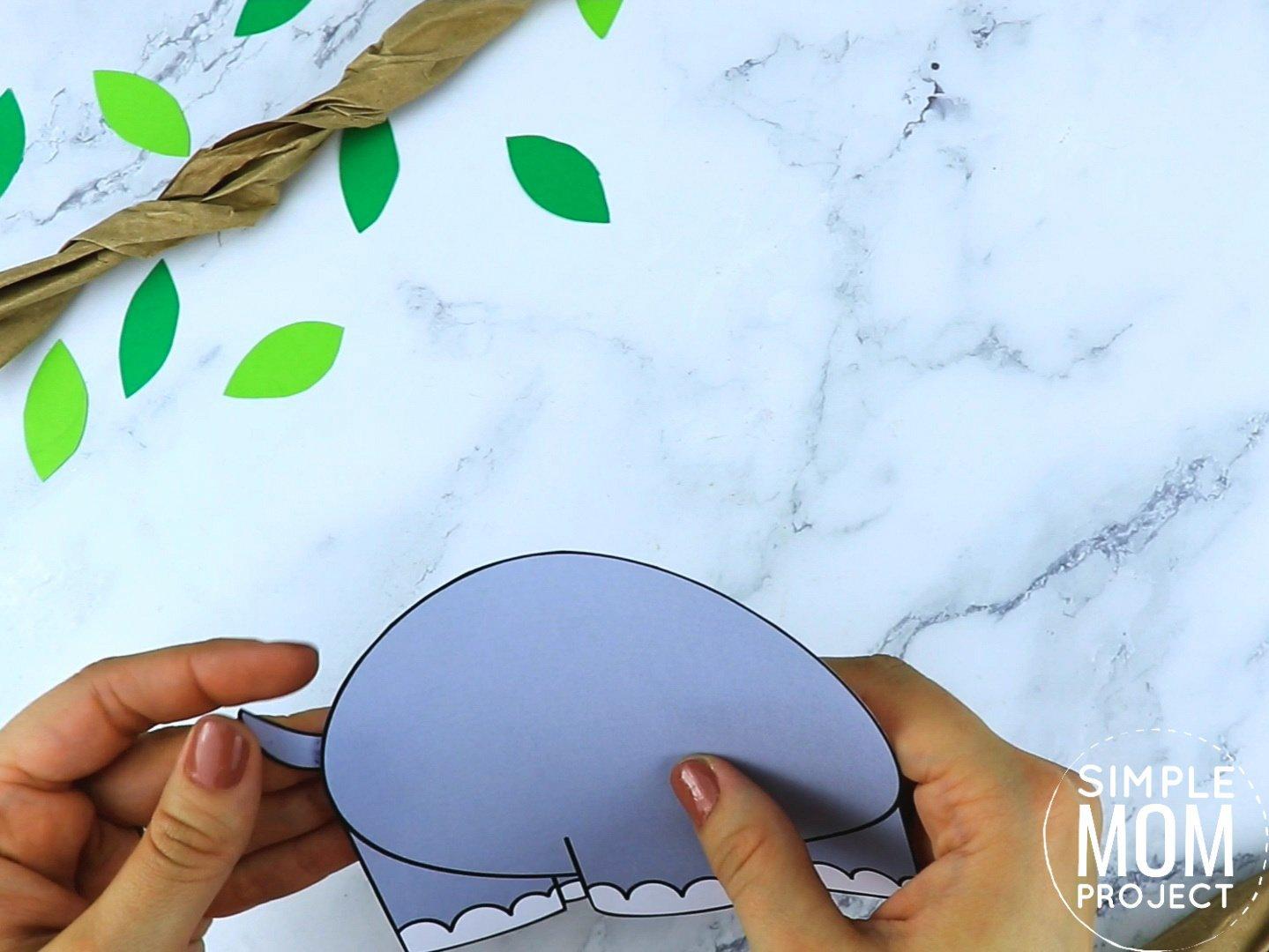 Free Printable Rhino Craft for preschoolers, toddlers and kindergartners